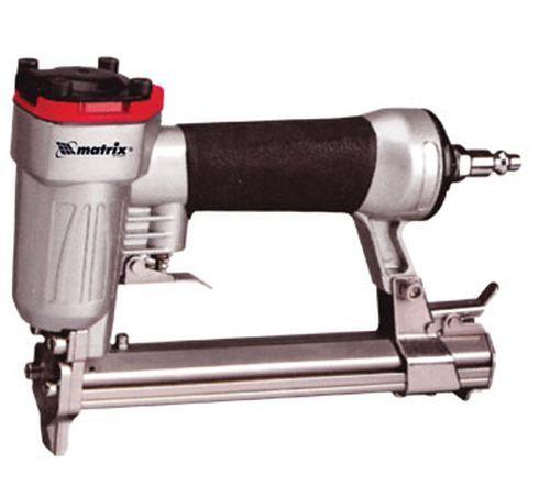 Фото - Степлер пневматический для прямоугольных скоб от 10 до 22 мм // MATRIX 57420